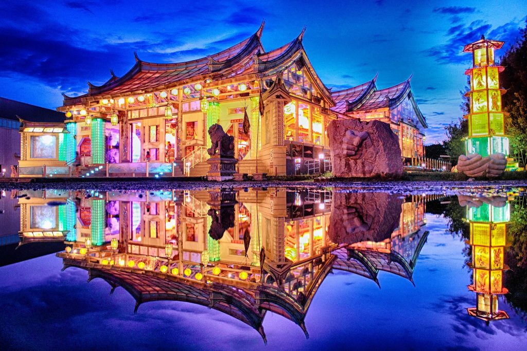 鹿港旅遊台灣玻璃館